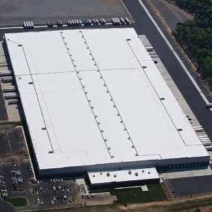 This 717,000 square foot distribution centre in Nashville, leased by Nissan North America, is the fist U.S. purchase made by Dream Industrial REIT.