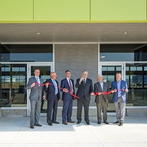 Fengate recently cut the ribbon to open the first building at its Oak West Corporate Centre in Oakville, Ont., just outside Toronto.